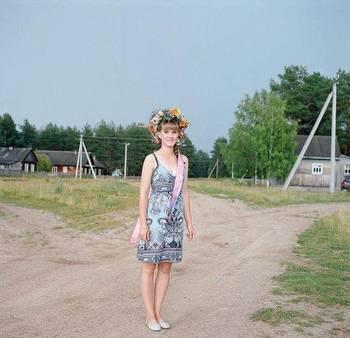 俄罗斯漂亮村姑也愁嫁,渴望被游客带走