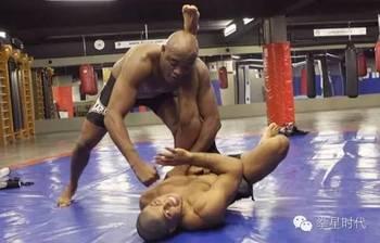 格斗的必杀技,巴西柔术图片
