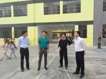 南宁市教育局领导到上林县开展师德教育 三进三访 服务活动图片
