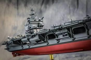 此舰堪称美航母之楷模,服役航程绕赤道90圈