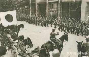 二战期间唯一向全世界宣战的国家,人口只有2万,军队只有两百人