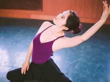 舞蹈女孩唯美摄影图片
