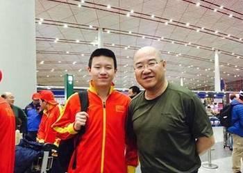 中国冰球小将暴揍韩国人 日本网友高呼:中国万