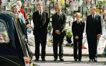 事 英国女王在戴安娜王妃葬礼上罕见的举动