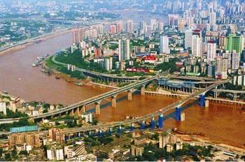 不仅面积大,更是中国人口最多的城市,面积是北