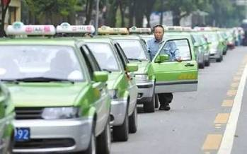 易到 荣获成都网约车牌照幕后 五股力量正在绞杀传统出租车