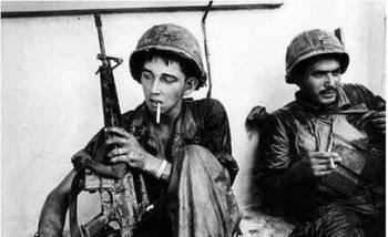 虏待日本女_越战,越南女兵大叫肚子痛,原来美军把这放了进去!_hao123上网导航