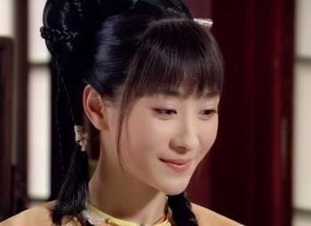 2、《山河恋·美人无泪》【海兰珠】——张檬-同样是古装麻花辫造