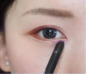 教程收藏韩国眼妆化妆技巧,妹纸们快详解了!_项链绳编图文的法视频图片