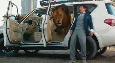 成龙拍摄电影,迪拜王子出手借70辆豪车!阔气!