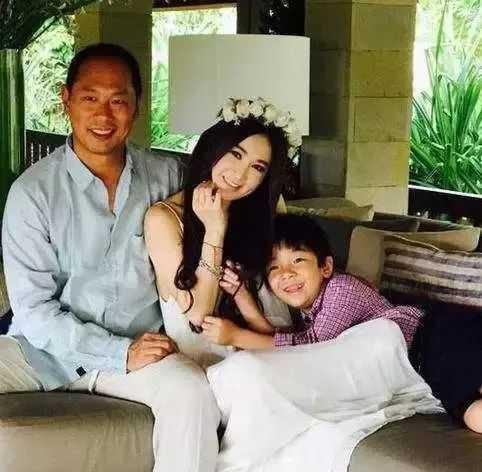 温碧霞上综艺节目, 首谈16年来拒绝生子的原因!
