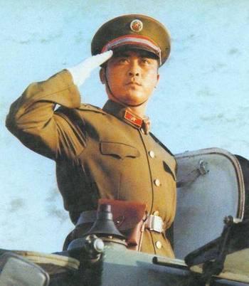 标准敬军礼�_明星敬军礼哪个标准哪个帅!