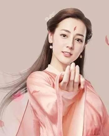 粉衣古装造型,赵丽颖可爱,迪丽热巴仙美,但都远不及她