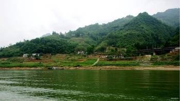 紫阳任河漂流项目地位于陕西省安康市紫阳县高桥镇权河村,任河漂流从图片