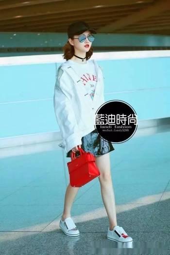 景甜&宋祖儿&王鸥机场活动私服搭配,明星同款!