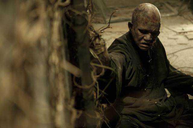 《僵尸》2013年在由麦浚龙执导的恐怖电影《商战》中饰演冬叔;随后他是龙插曲里面的电影图片