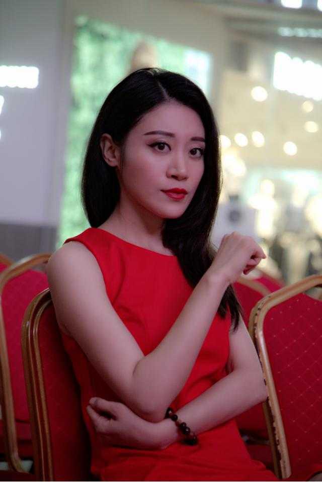 娘们漂亮_苏子童出演《东北娘们儿》演漂亮特种兵