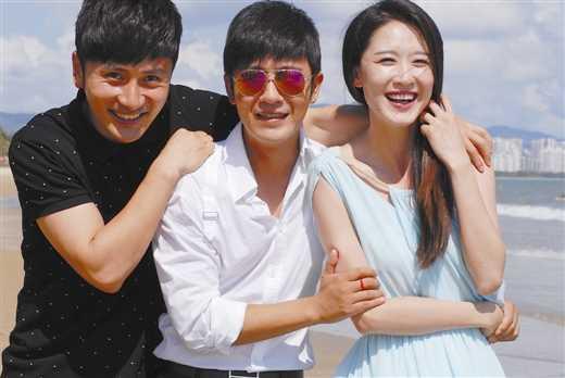 """谈及原因,张雯表示这与她剧中的爱人乔天宇(林申饰)有关,""""我跟乔天宇图片"""