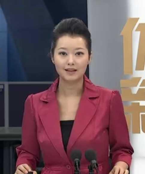 郭思語,擔任過北京奧運和倫敦奧運的總主持人,2008年至今擔任《體壇圖片
