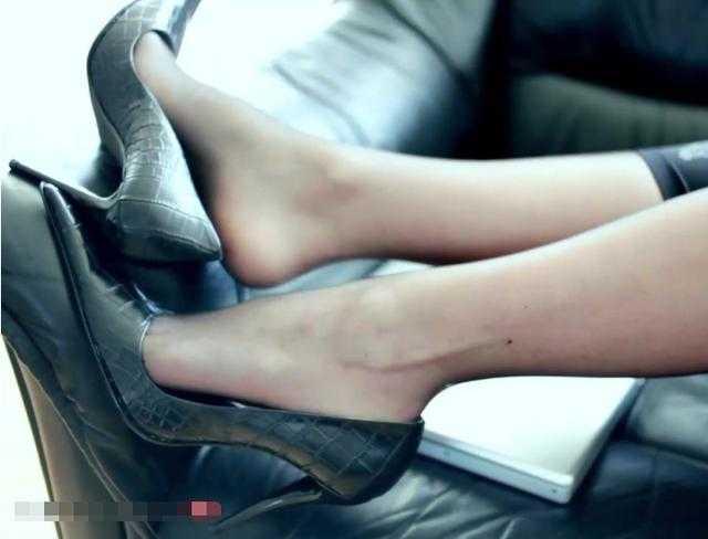 美女美女高跟鞋干猪八戒时尚图片