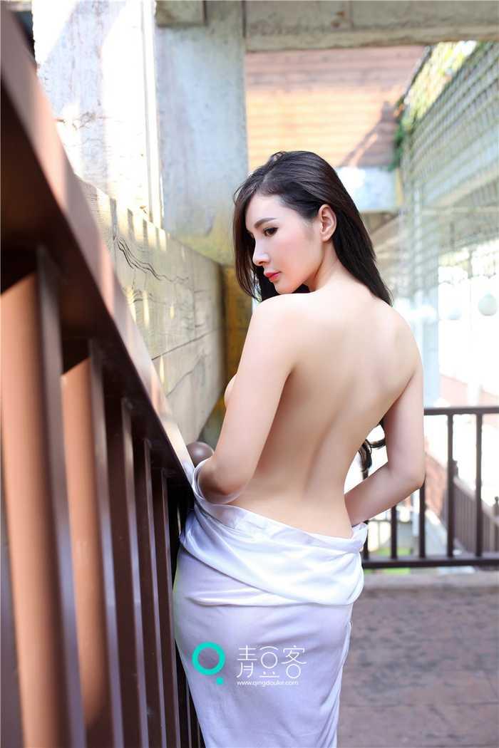 写真女神顾欣怡 时尚性感尤物露背迷人完美曲线
