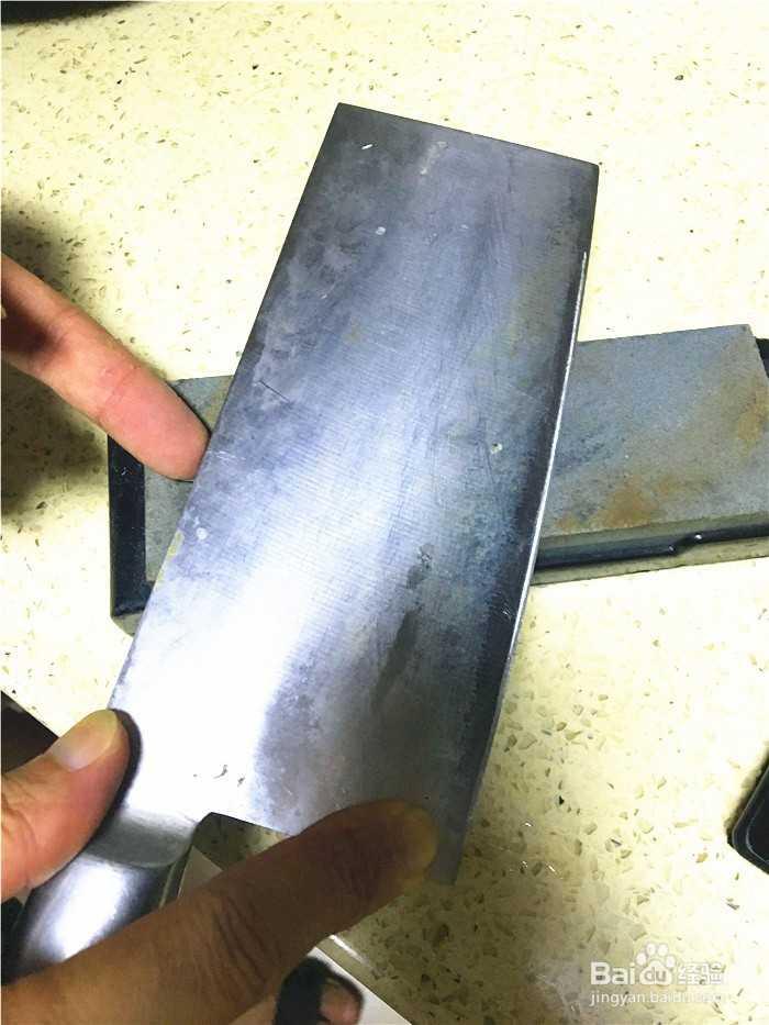 刀切菜不够快?教你怎么用磨刀石磨刀