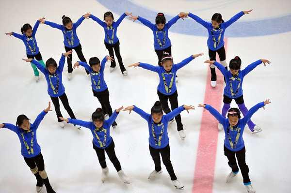 优秀如你 | 全明星队 · 荣获北京市青少年花样滑冰队列滑锦标赛金牌图片