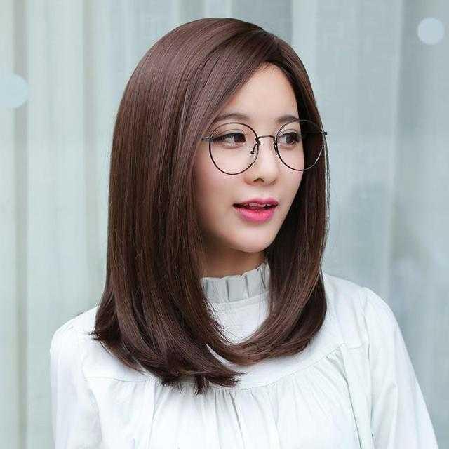 优雅干练,但是不失女性的柔美,是女性在职场上最为适合的一款发型,无图片