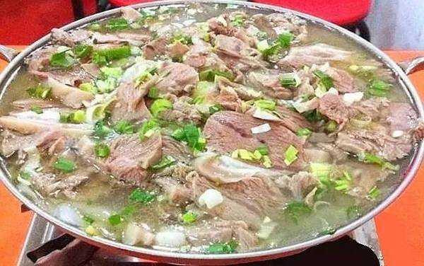 五斤羊肉做法:藏羊肉火锅