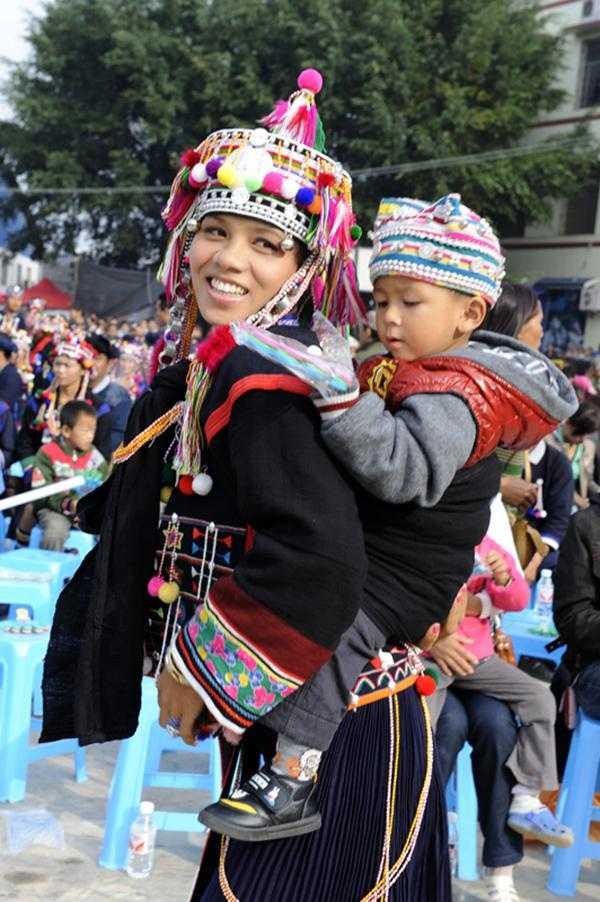 民族服饰传承与创新设计连载1——哈尼族图片