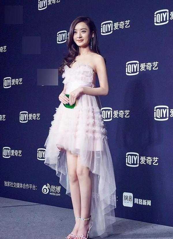 赵丽颖脱掉了丑鞋,竟然美的仙气,可是没胸!最强-v仙气女性感图片