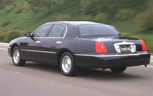 它是90年代国内的加长豪车王,婚车首选,让劳斯莱斯汗颜图片