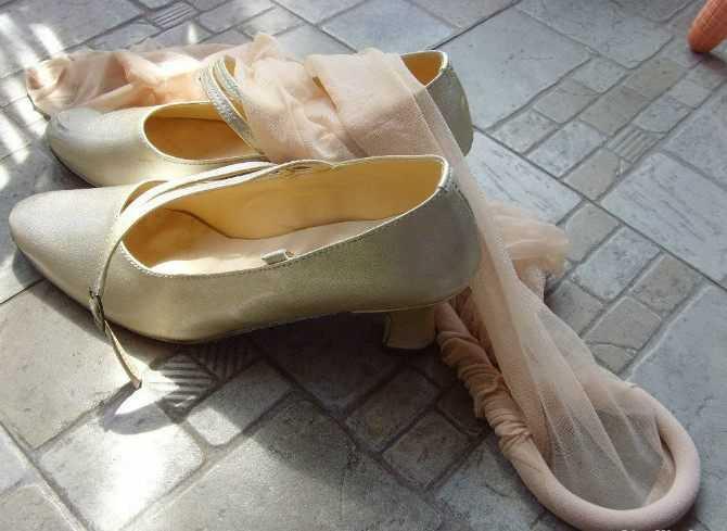 旧丝袜的作用_殊不知,衍生出众多丝袜控,更有甚者收藏二手丝袜,且价格不菲.