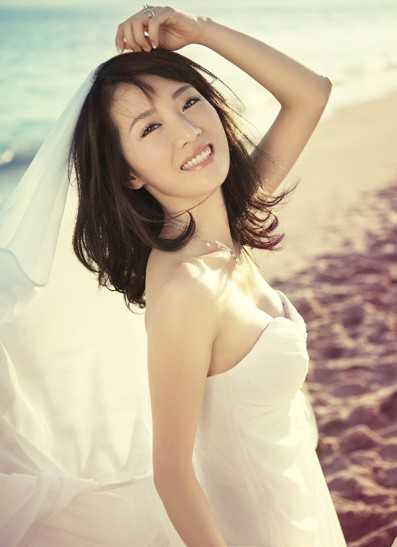 娱乐 文章详情  去年,李念和任志强在微博上的战争曝出了其结婚的消息