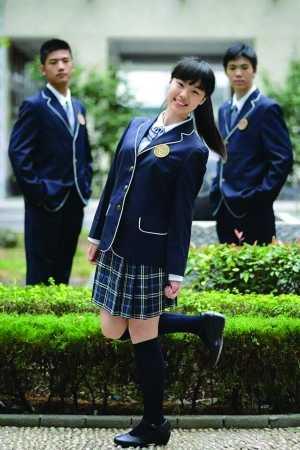南京中学校服_南京市第一中学校服总计获得50058票,排名第一,获\