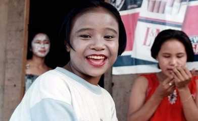 柬埔寨《被强奸的妓女——上》中,给大家介绍了童妓在社会中的处境.