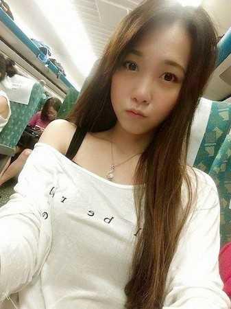 台湾最美女警大长腿性感