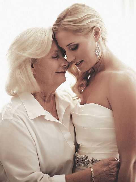 感受爱 我给秀凡做了一个催眠治疗,让秀凡在催眠状态下跟自己的母亲对