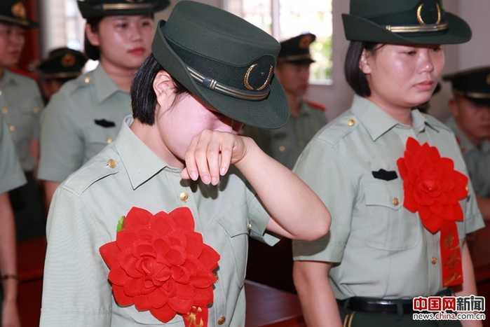 湖南武警总队女兵多吗96,见面的几率大吗.哈哈.图片