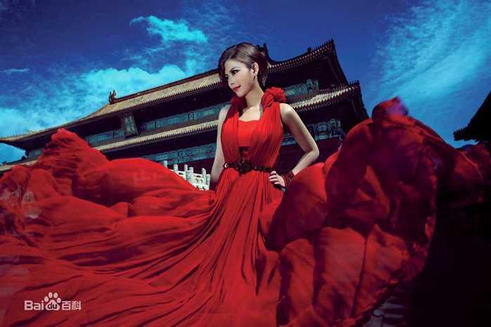 《花心男》女王的霸道慕容晓晓推出新力作单曲《花心男》,她依然用她
