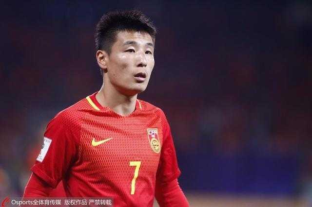 第64分钟,曹赟定替补登场换下武磊,这也是其在成年国家队的首秀.