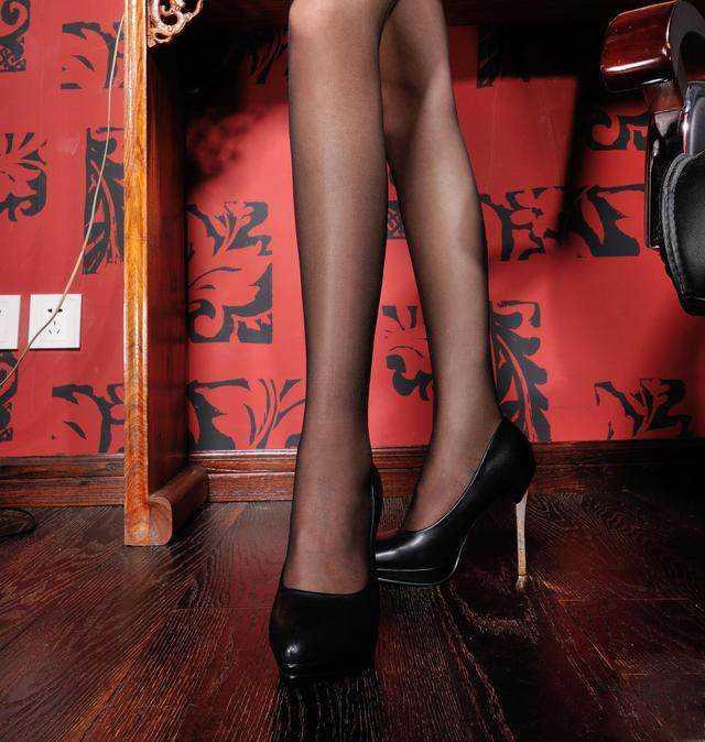 土豪美女高跟鞋时尚美女沙特图片