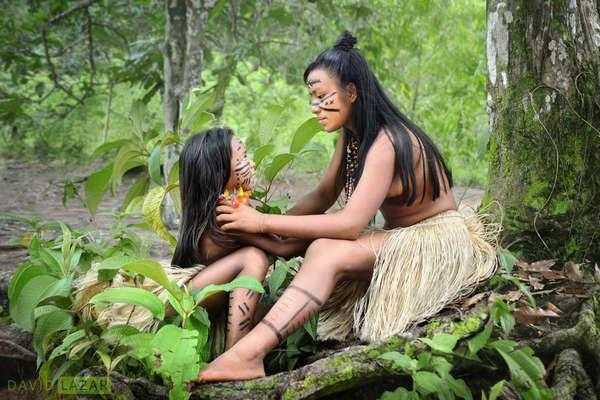 原始女人_实拍:巴西亚马逊丛林的原始部落,女人生活中都不穿衣服的