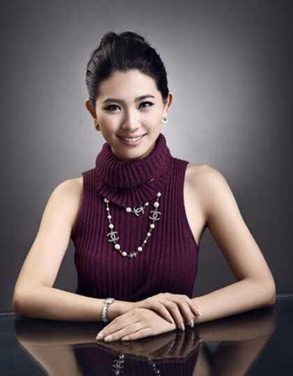 东南亚美女塔丽娜全部色�_她还是一名在校的大学生但资产已逾亿;她年仅21岁,就成为横跨东南亚的