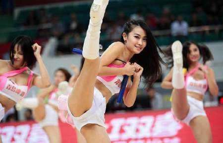 cba篮球宝贝不输nba啦啦队 性感热辣十足 你认为哪个美?
