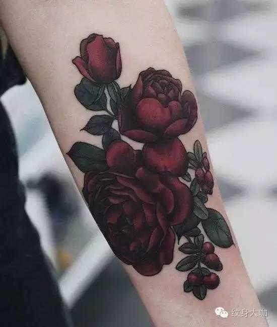 但它却有着独特的艳丽 那是一种其他花类所无法比拟的美丽 纹身也是有图片