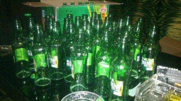 ktv喝酒瓶子_这样喝酒,你能多活100岁--送给酒桌上的你