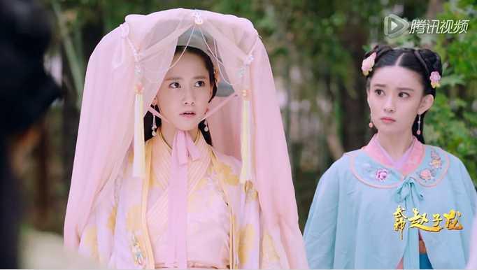 特别是我大天朝引以为傲的古装剧,这些个韩国美女穿上古装戏服,惊艳度
