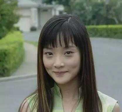 妹妹还是相信李小璐的双眼皮