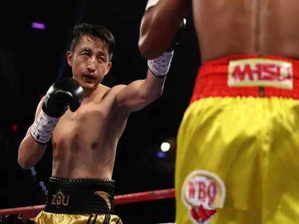 中国人的骄傲!邹市明胜泰国对手得世界拳王金腰带!